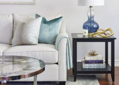 Living room ideas by interior designer Pamela Lynn in Kleingburg, Vaughan, Bolton and Caledon